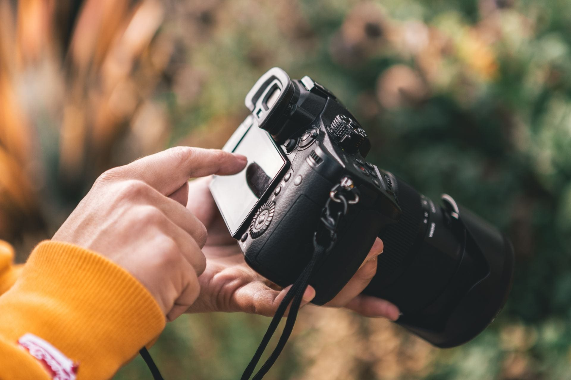 Do you share students' photos online? This post gives you some tips on sharing students' images and other identifying information. It includes a handy summary poster. The Edublogger